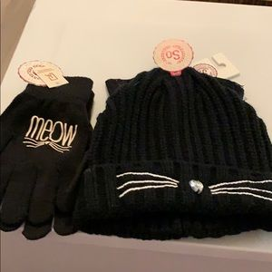 Kitty cat gloves and hat set